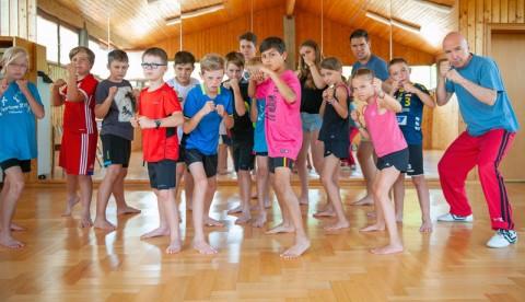 Selbstverteidigung beim Sommercamp 2018 des TSV Blausteins